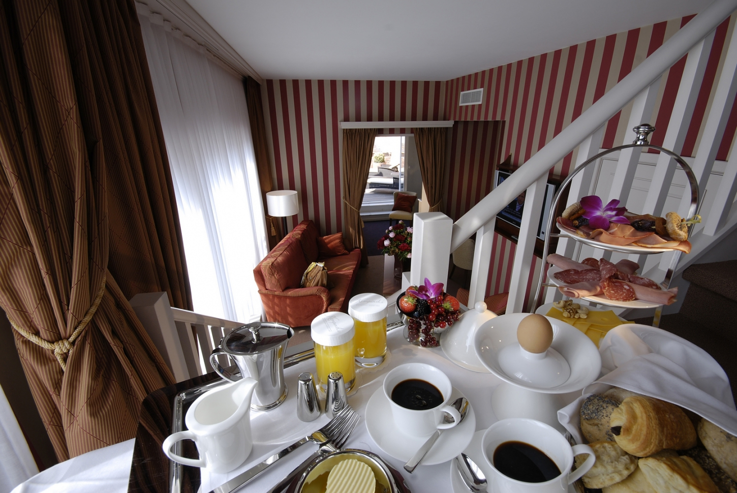 Hotel facilities: extensive breakfast buffet