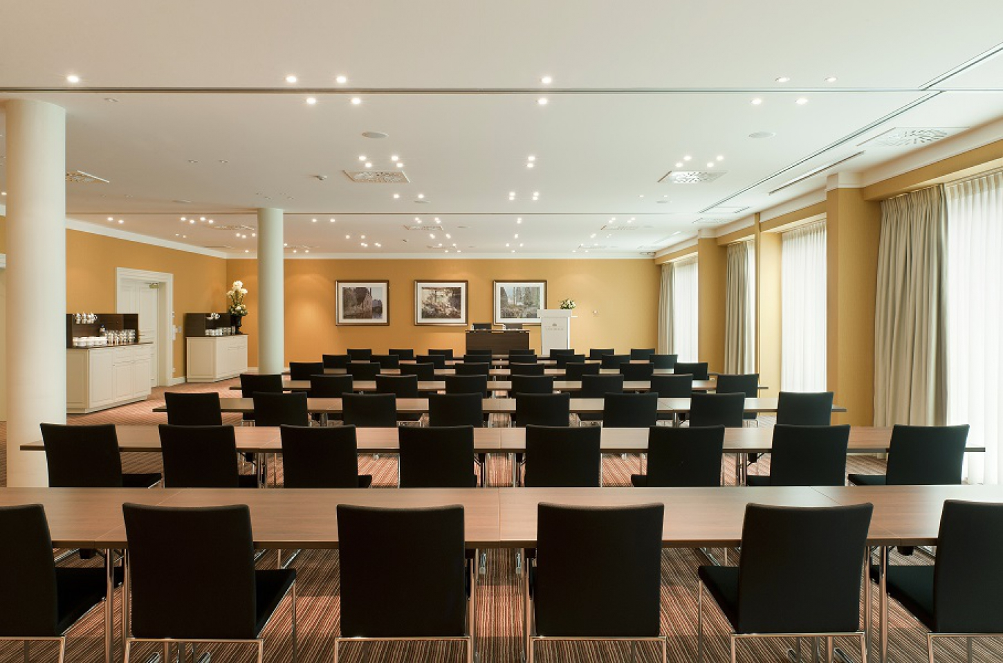 Meeting rooms for residential seminars